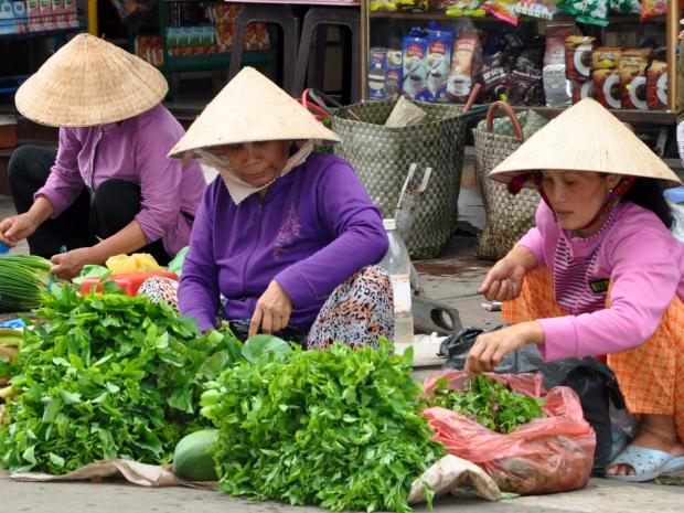 Vinh Long authentic local market